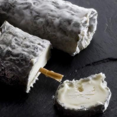 buche-sainte-maure-de-tourraine-fromage-aop