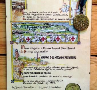 Diplôme et médaille de chevalier de l'ordre des grands affineurs