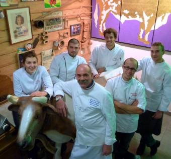 L'équipe 2014 : Natacha, Edouard, Renaud, Bernard, Sébastien & Enzo pour vous servir !