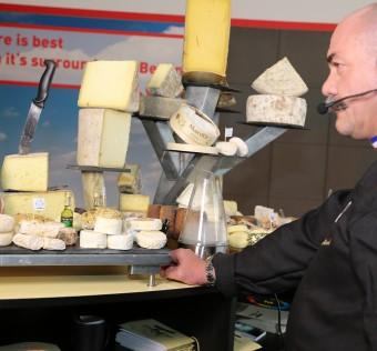 Les-Alpages-MIPIM-Cannes-plateau-fromage